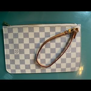 Authentic Louis Vuitton neverfull pochette Azur